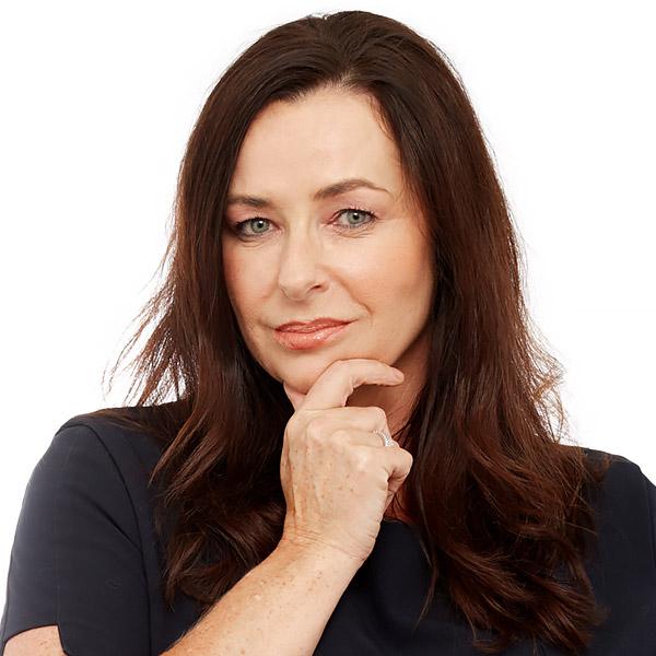 Dr Ellen Selkon